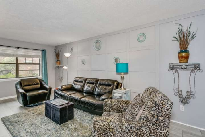 Gorgeous Updated Condo Steps from Bayou Texar and a Boat Ramp - Convenient to Do, vacation rental in Pace