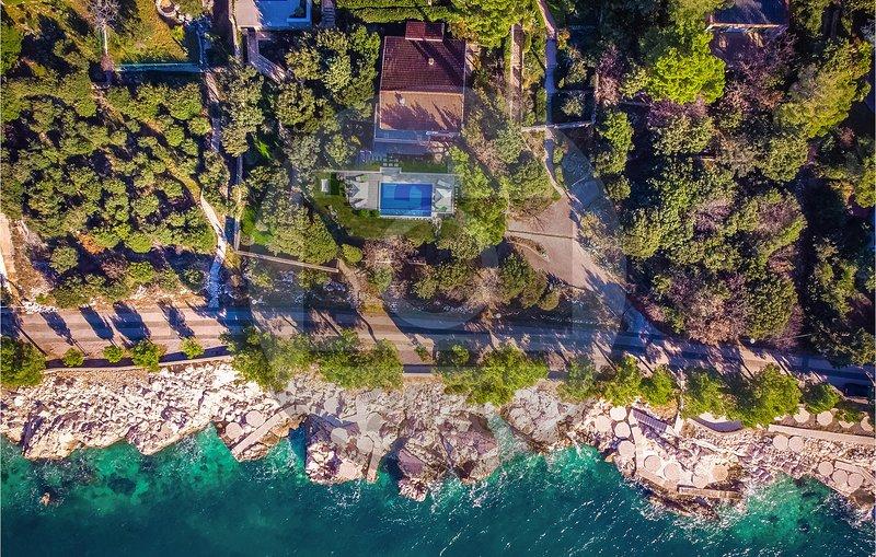 Stunning home in Novi Vinodolski with Outdoor swimming pool and 3 Bedrooms (CKN5, holiday rental in Novi Vinodolski
