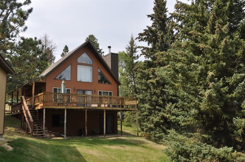 Knotty Pine Chalet, holiday rental in Iola
