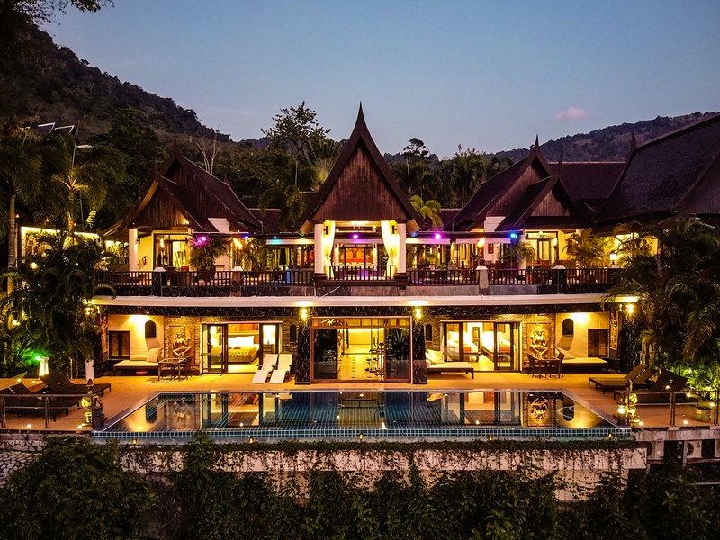 Bann Chang Thai Villa nighttime