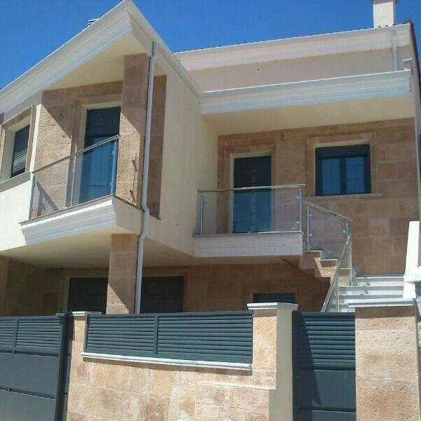 Alojamiento El lince de Granadilla,casa ecológica,Wifi,Chimenea salón,TV con USB, location de vacances à Caminomorisco