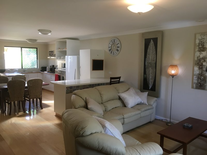 Scarborough Beach Villa Perth Perth Australia-Near the Beach-Netflix-WiFi, holiday rental in Scarborough
