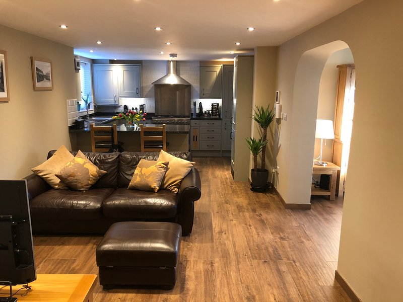 Serviced Apartment Wheatley, holiday rental in Long Crendon