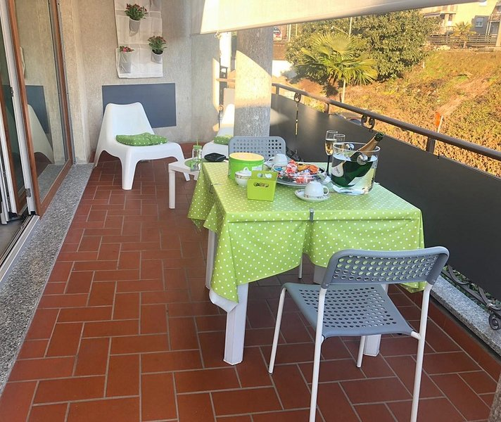 SmartSuite apartment with terrace near Stresa center and lake, vacation rental in Vedasco