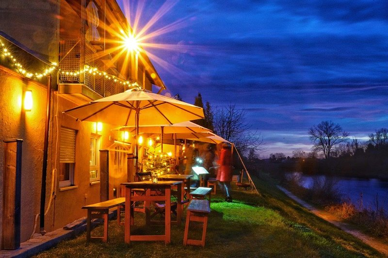 Danubio - Gruppenunterkunft, Suite am Fluß, Bed & Breakfast, Hideaway, Sauna, vacation rental in Nordlingen