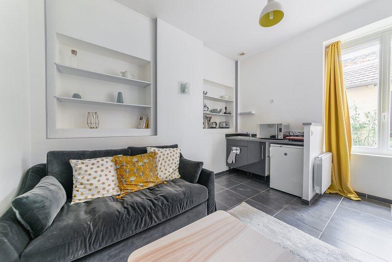 L'OISELIERE - Studio Cosy emplacement idéal à Vaise, aluguéis de temporada em Lozanne