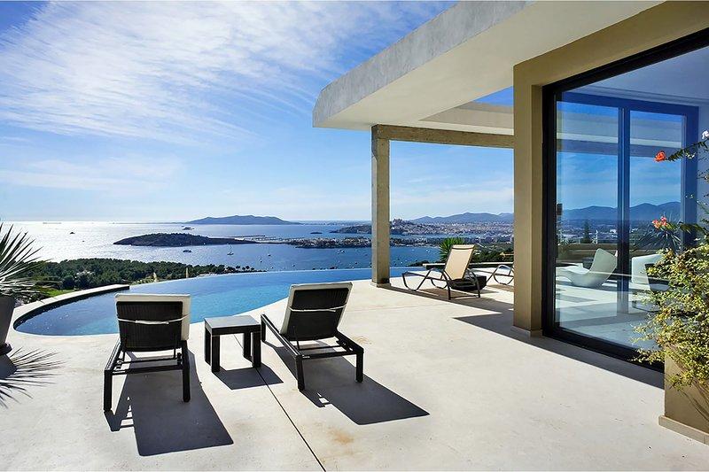 Villa Nikki, location de vacances à Roca Llisa