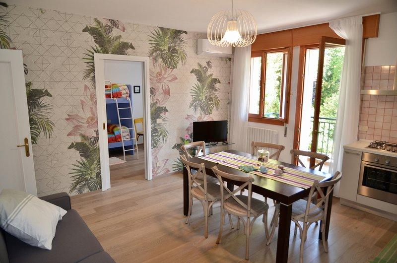 Close to Venice:  Apt. 'GUFO VIOLA', vacation rental in Trebaseleghe