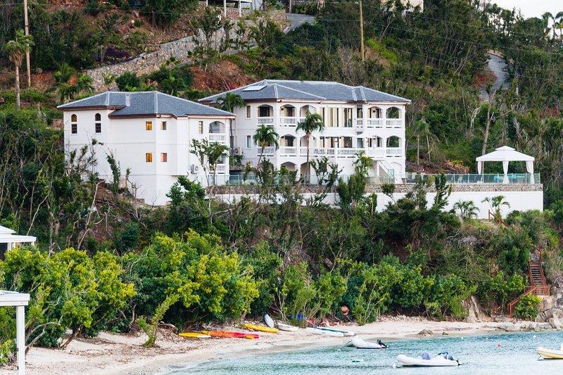 6 Bedroom Beachfront Villa St John Chocolate Hole, Ferienwohnung in St. John