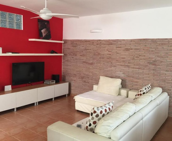 Nice house with terrace & Wifi, vacation rental in Carcelen