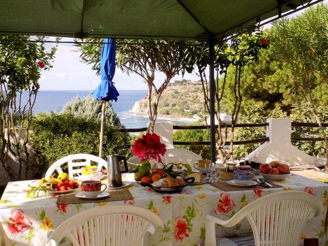 Appartamento in villa 350 mt dal mare splendida vista sulla baia Med'5, holiday rental in Nicotera