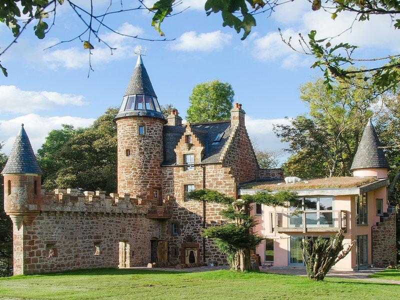 Knock Old Castle, holiday rental in Skelmorlie