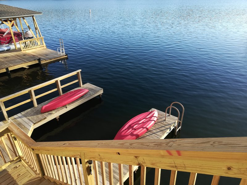 Lucky 13 - Lakefront Townhouse in Hot Springs Village, holiday rental in Hot Springs Village