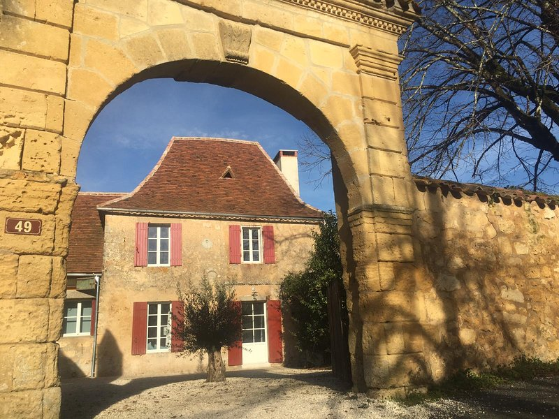 Newly Renovated Dordogne Cottage - New Listing, location de vacances à Lanquais