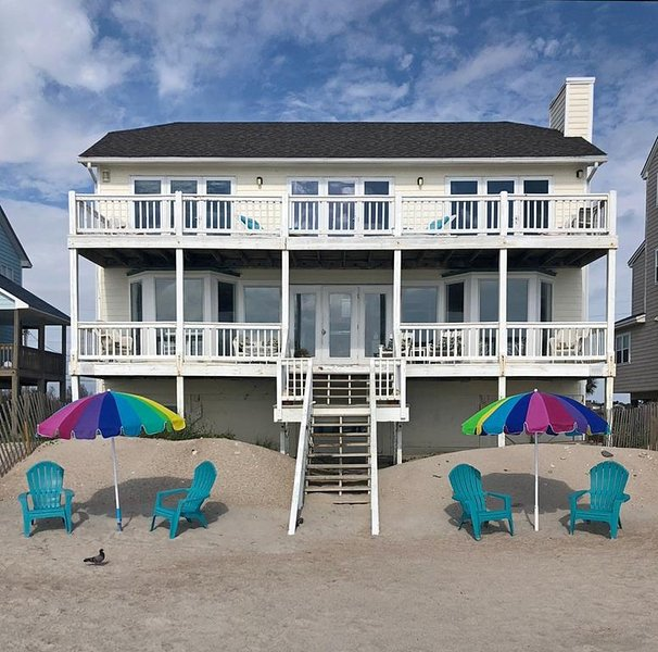 A Dream Come True - 4 BR/3BA OCEANFRONT HOME!, vacation rental in North Topsail Beach