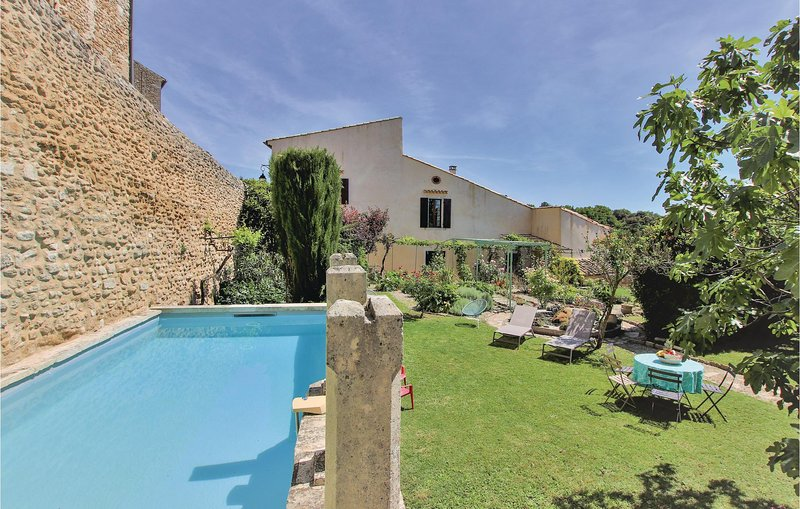 Amazing home in Grignan with WiFi and 3 Bedrooms (FPD125), holiday rental in Reauville