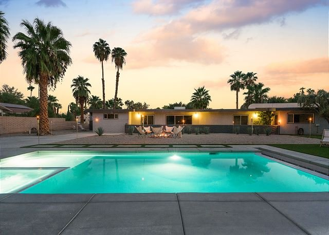 Designer Mid-Century Modern Hideaway with Private Pool, Spa & Firepit, holiday rental in Borrego Springs