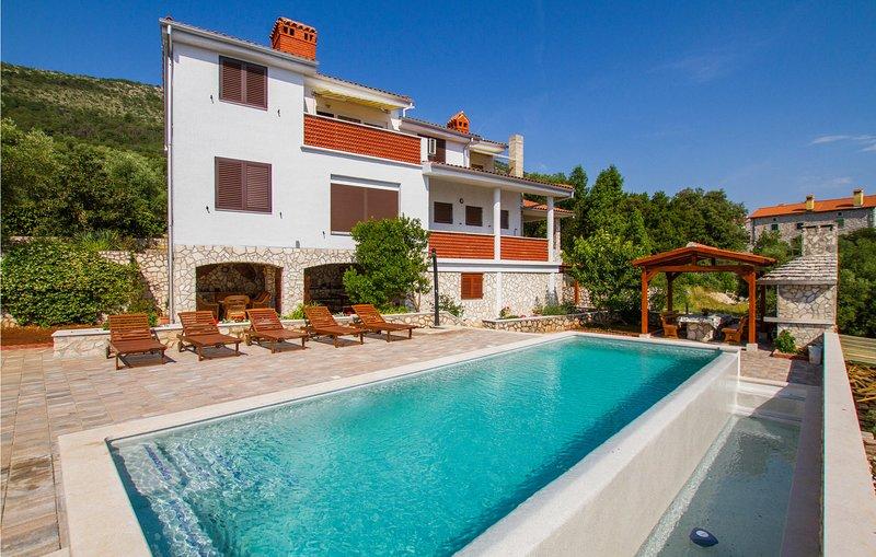 Nice home in Labin with 2 Bedrooms (CIK720), holiday rental in Ravni