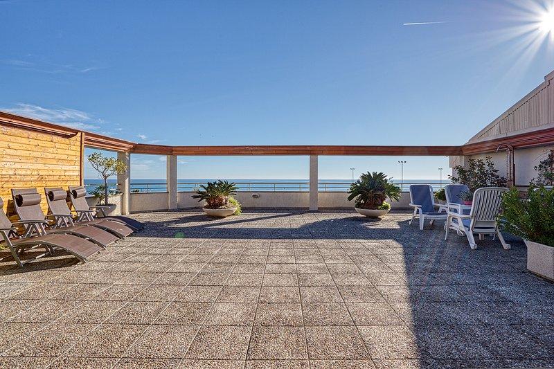 Vistas al Mar. Gran Terraza, aluguéis de temporada em Calella