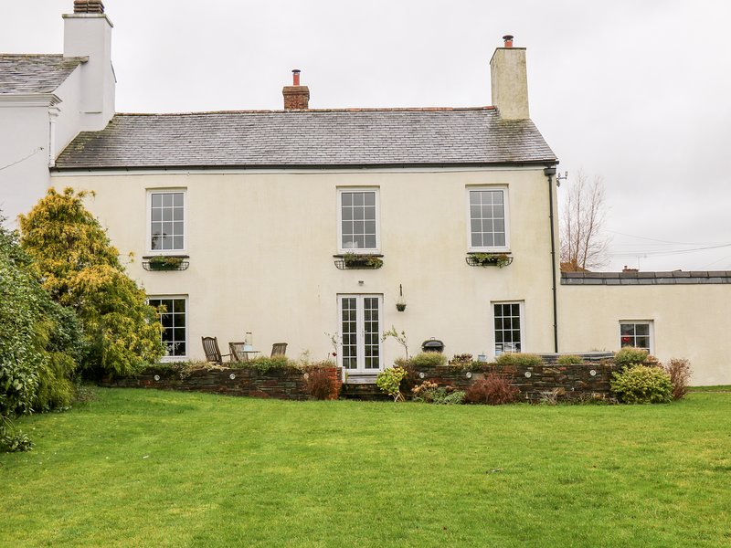 The Old Manor House, Lifton, holiday rental in Sprytown