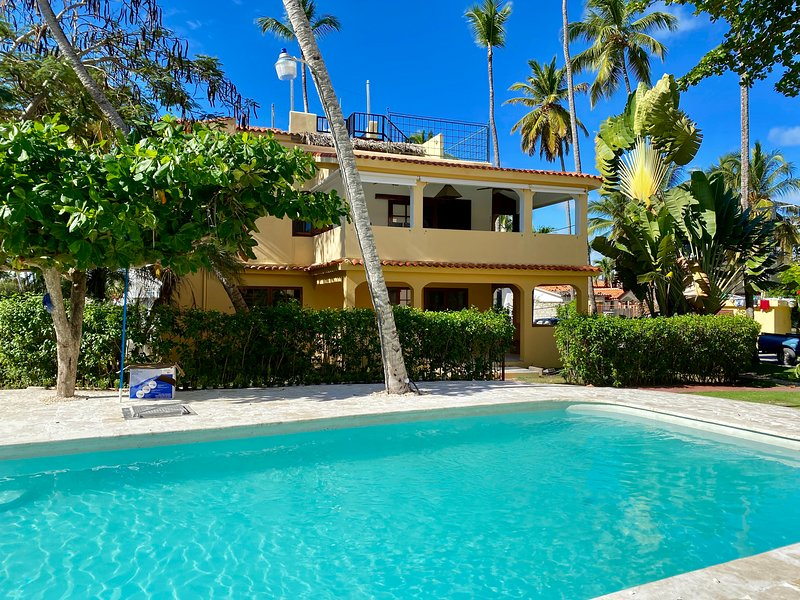 Los Corales -Villa Private Gated Beachfront Resort, vacation rental in Bavaro