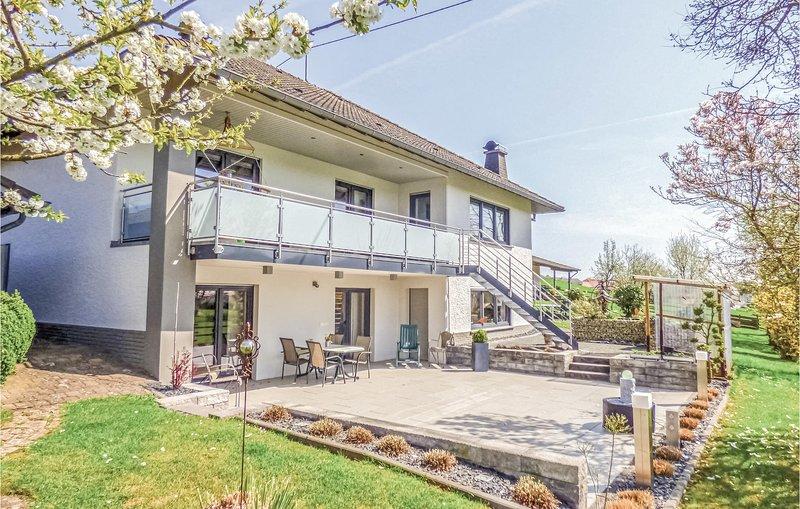 Amazing home in Körperich/Obersgegen with WiFi and 1 Bedrooms (DEI214), holiday rental in Vianden
