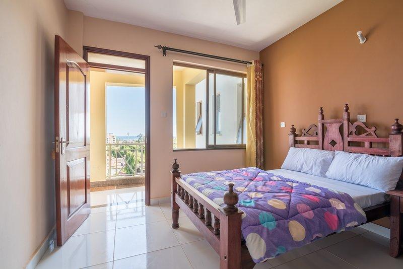 Ocean and City View Apartment Nyali Mombasa KENYA, holiday rental in Likoni