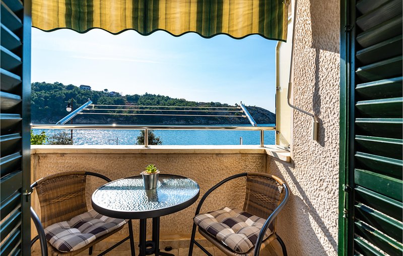 Awesome home in Novigrad with WiFi and 1 Bedrooms (CDZ654), casa vacanza a Novigrad