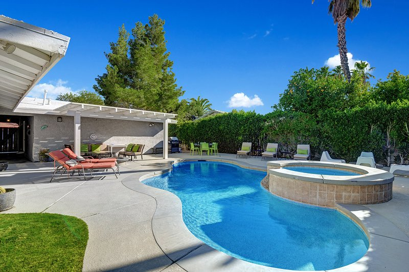 Palm Springs Pool/Spa Home-Avail  in 2021 and long term, holiday rental in Palm Springs
