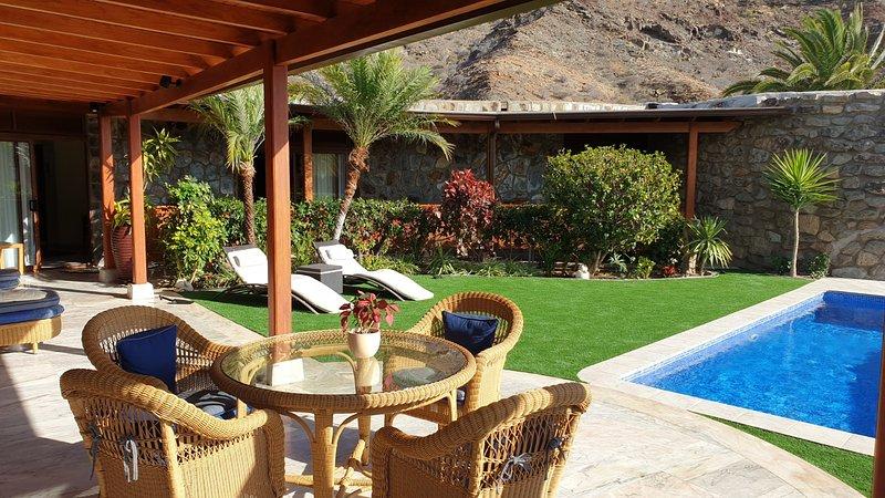 VILLA DE LUXE - grand confort - avec piscine privée - proche golfs et mer, vacation rental in La Playa de Tauro