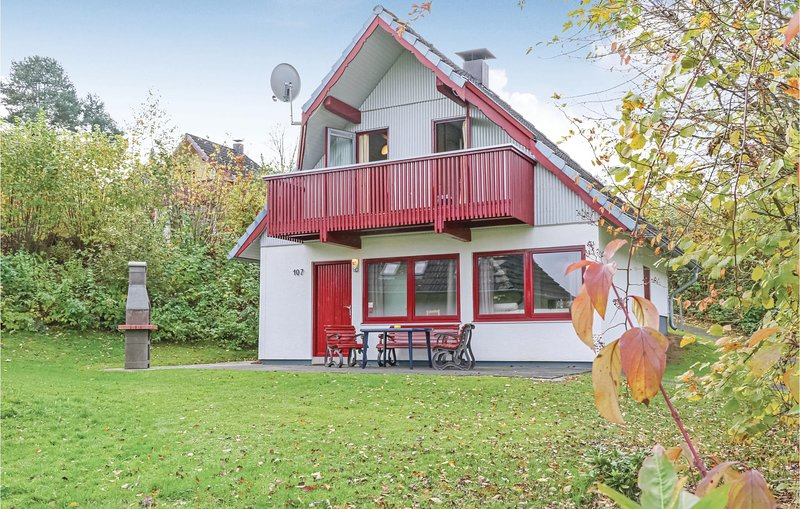 Amazing home in Kirchheim/Hessen with 3 Bedrooms (DHE146), holiday rental in Schlitz
