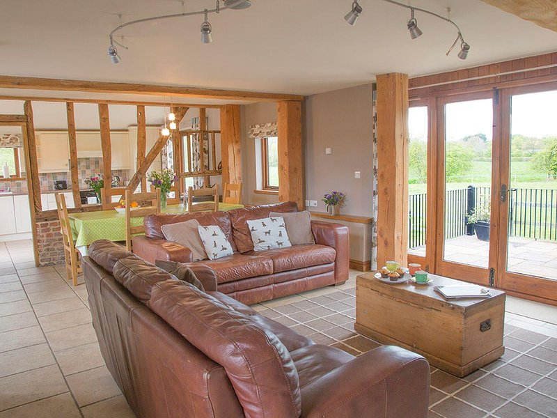 Henry's Barn - UKC3168, holiday rental in Rumburgh