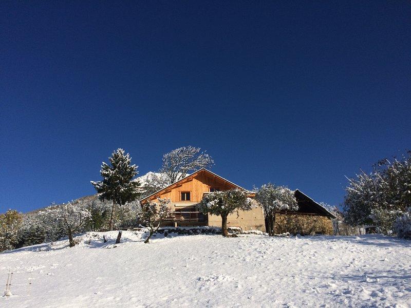 Gîte Les Vignets, 3 chambres, 6 personnes, Hautes-Alpes, Serre-Ponçon, aluguéis de temporada em Hautes-Alpes