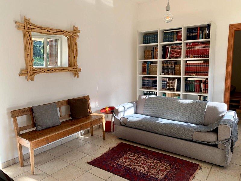 PERGOLA- Lovely apartment in a green grarden, vacation rental in Giorgilorio