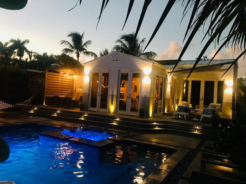 Private Pool home in gated neighborhood, alquiler de vacaciones en Miami