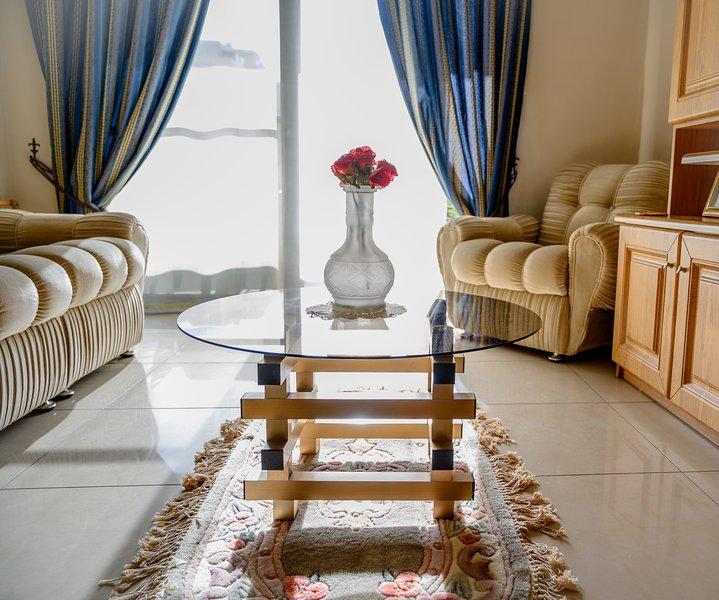 Daffodil Apartment, Bugibba /Saint Paul bay, holiday rental in Qawra