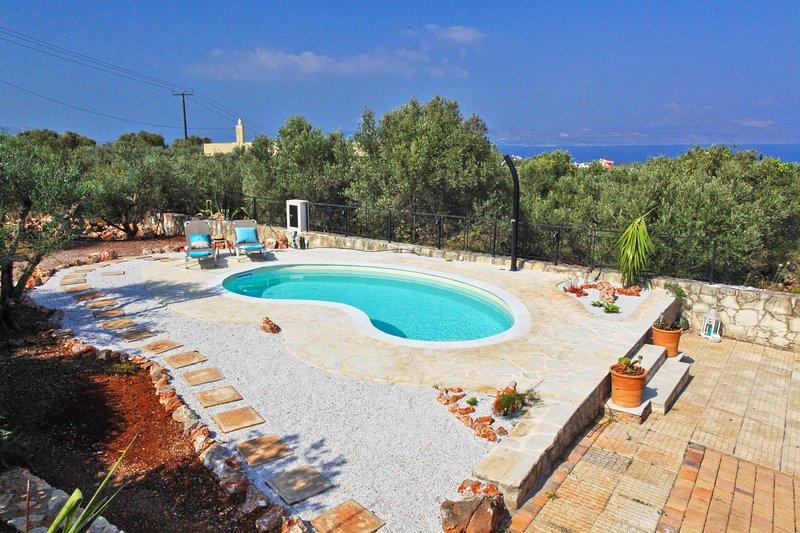 Villa Olive Garden på Vestkreta, med privat pool, plads til 11 pers. & havudsigt, alquiler vacacional en Plaka