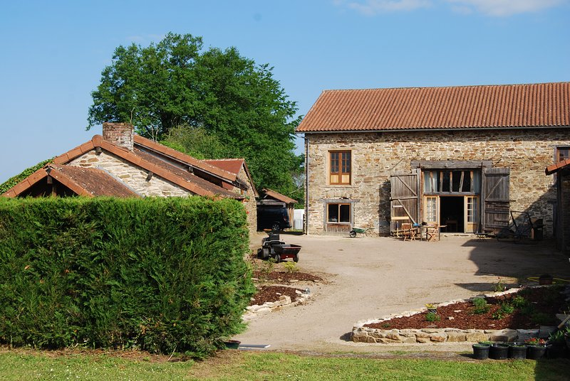 Converted stone barn with heated swimming pool, sleeps 12, 4 bedrooms, vacation rental in Pageas