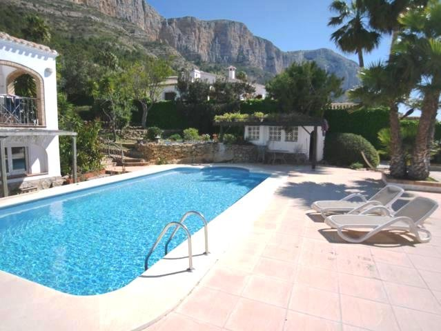 Villa Casa Nirvana - Where Heaven meets Earth, vacation rental in Muntanya la Sella