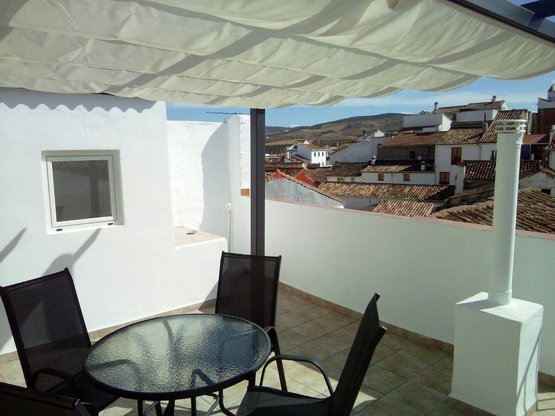 Casa de Recuerdos - 3 Bedroom House in the Centre of Town., vacation rental in Alhama de Granada