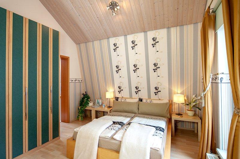* * * Ferienwohnung & Gästezimmer Kachel / Doppelzimmer 1, holiday rental in Kaub