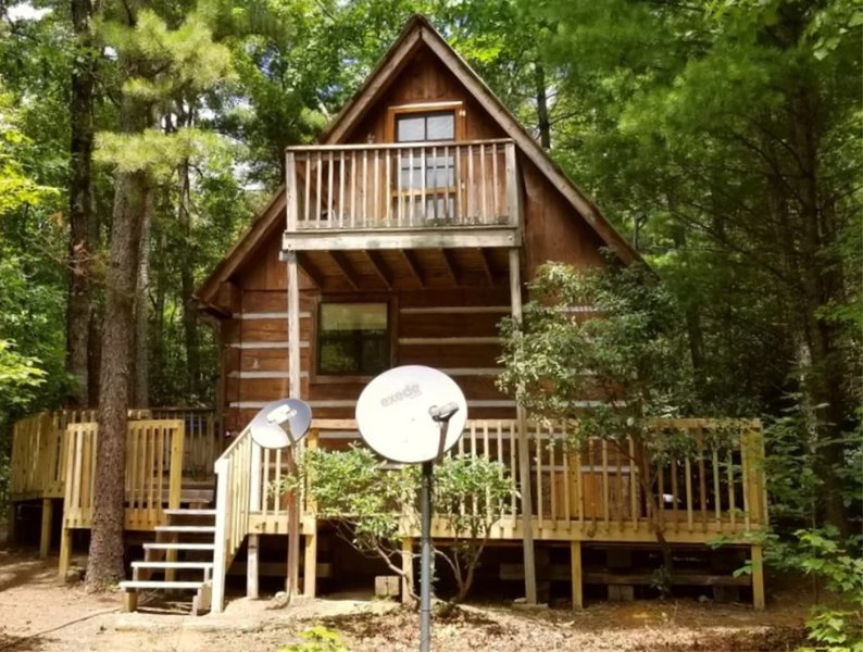 New Listing: Cupids Cove Cabin Romantic Mountain Getaway in SE TN, holiday rental in Tellico Plains