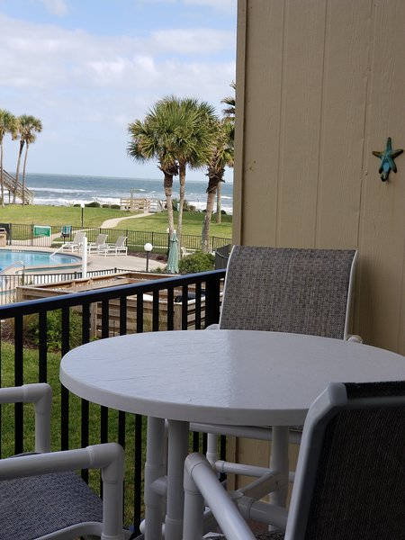 SUMMERHOUSE-439 Ocean Townhouse-Great Ocean Views, Steps to Beach, Relax,Enjoy, casa vacanza a Saint Augustine