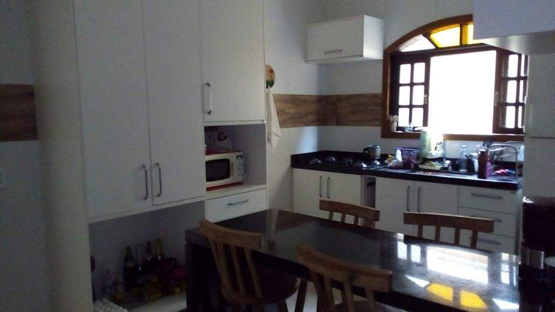 Casa Familiar São Sebastião Praia Prea, vacation rental in Sao Sebastiao
