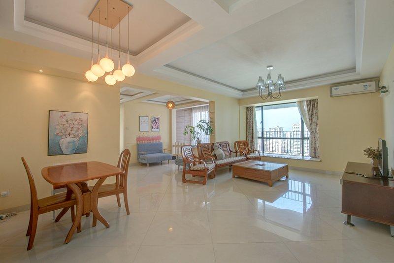 Near By Jiuzhou port, QingLv road, Sand beach, vacation rental in Macau