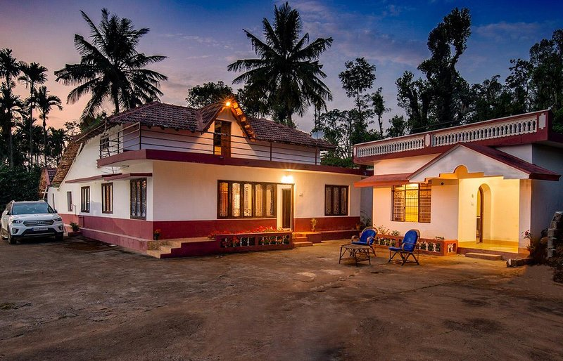 Paloor Heritage | Nature | River | View | Lakeside | Camping | Trek | Barbecue, holiday rental in Coorg