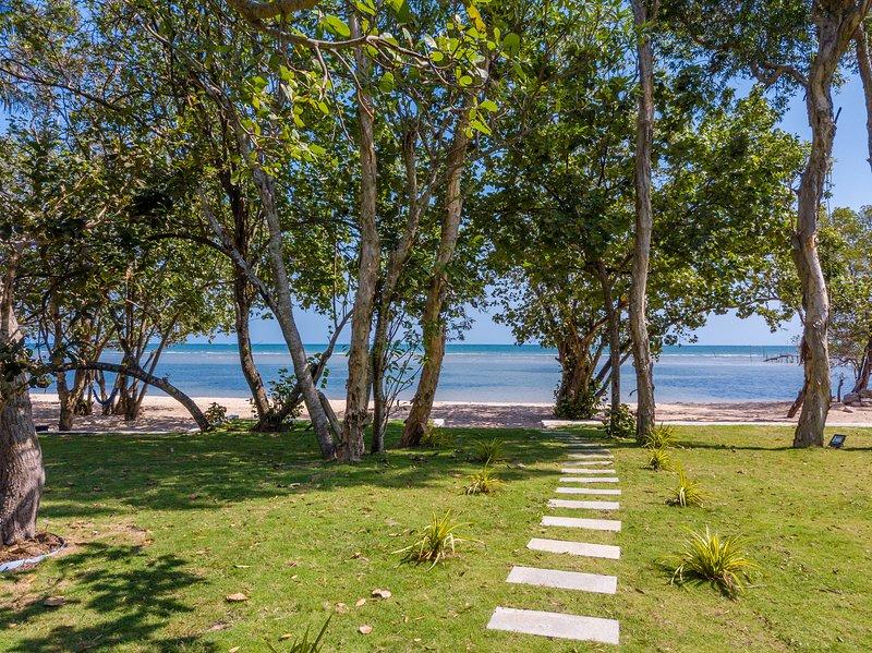 Cashew Cashew Beach Villa, vacation rental in Phu Quoc Island