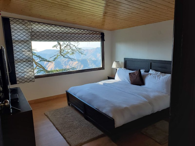 2 BHK Duplex Homestay - HolidayInHomestay, holiday rental in Shimla