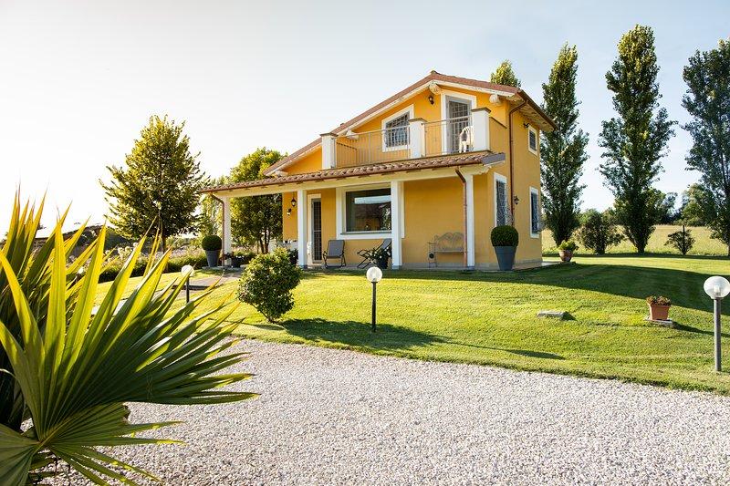 Villa - casa vacanze La Casa di Siro, holiday rental in Bracciano
