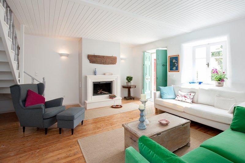 White Jasmine Cottage, holiday rental in Skripero